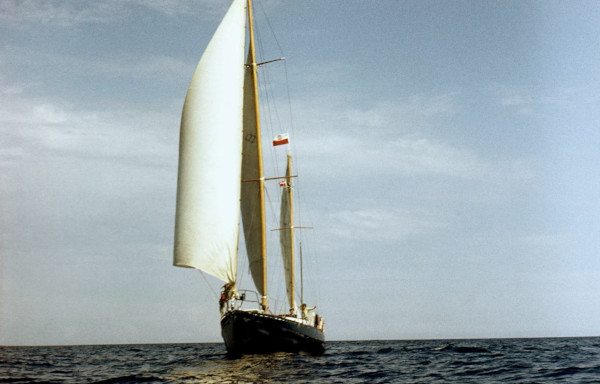 Yachts - transport, forwarding, relocation